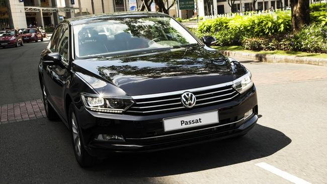 Volkswagen Passat thêm phiên bản mới tại Việt Nam: Đấu Toyota Camry bằng giá Mercedes-Benz C200