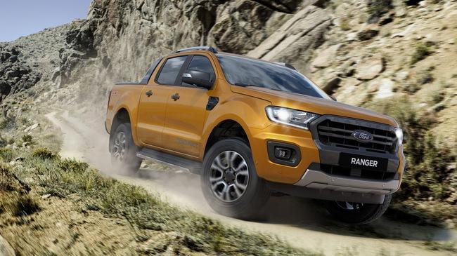 Ra mắt Ford Ranger 2018: 7 phiên bản, động cơ mới, 2 màu lạ, giá từ 630 triệu đồng