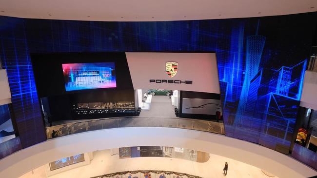 Khám phá showroom Porsche thứ 100 tại châu Á
