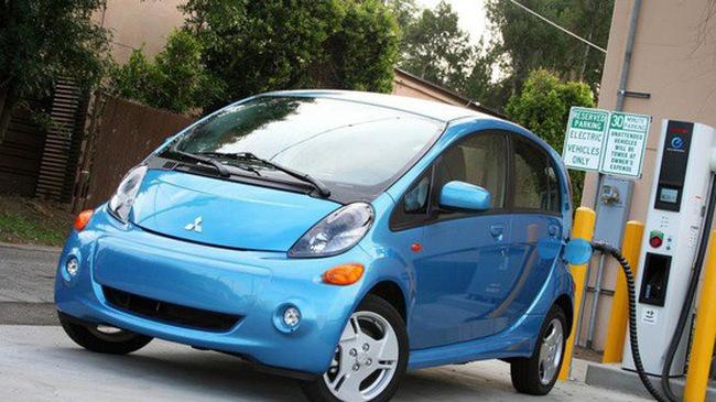 Bộ Công thương và Mitsubishi Motors bắt tay nghiên cứu ô tô điện