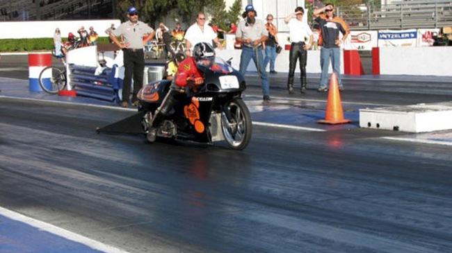 Xe chạy pin nhanh nhất thế giới