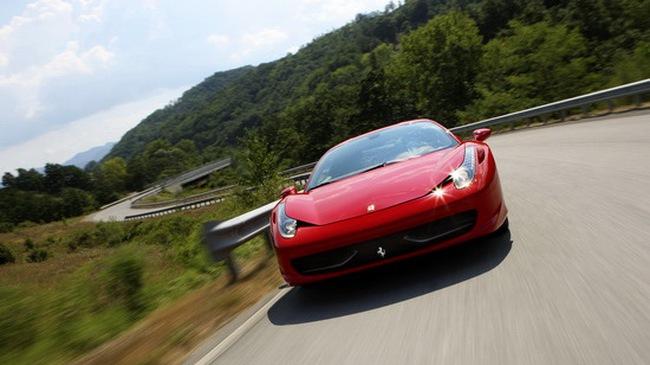 """""""Lộ diện"""" nội thất Ferrari 458 Italia"""