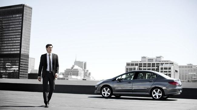 """Peugeot 408 sedan """"tấn công"""" thị trường Trung Quốc"""
