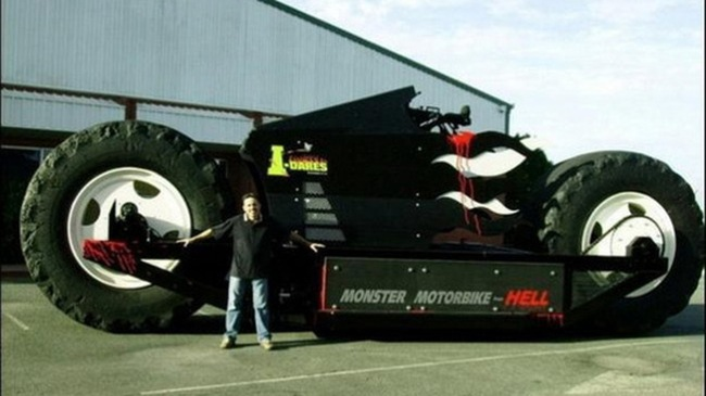 """Monster Motorbike – """"Quái vật"""" đến từ địa ngục"""