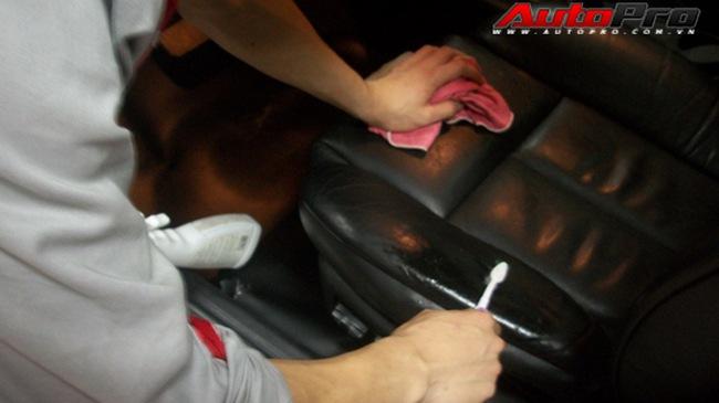 Kinh nghiệm khử mùi nội thất xe hơi