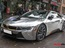 BMW i8 dán decal đổi màu chrome bạc nổi bật trên phố Hà Nội